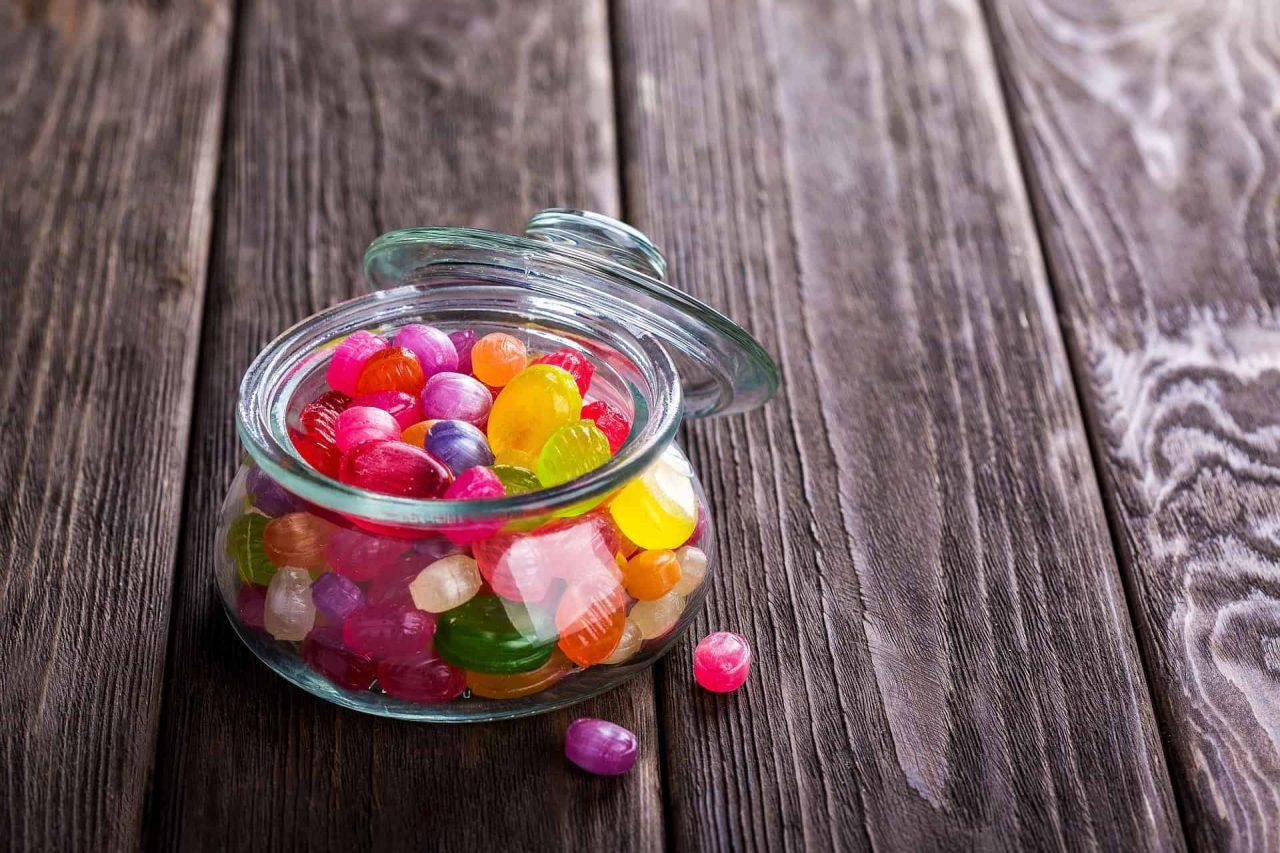 cbd edibles gummies in a jar